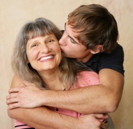 Fiul mamei: recunoașteți și fugiți