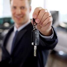Managerul de vânzări de mașini. Ce este mai important: profesionalism sau calități personale?