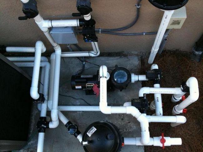 instalarea unei conducte de apă într-o casă privată