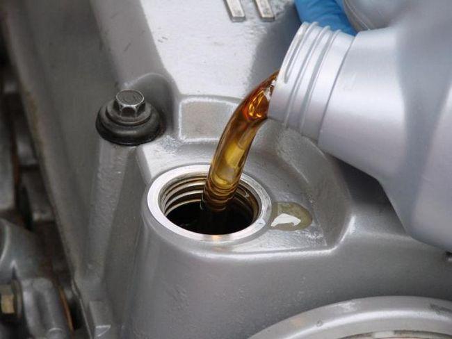 Ulei de motor `Lukoil` - un produs de noua generatie