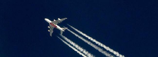la ce altitudine zboară avioanele