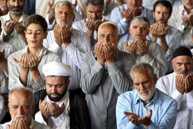 câți oameni din Iran