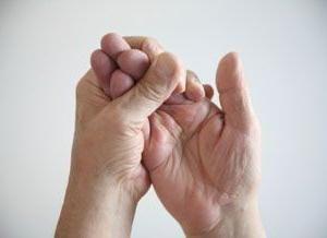 degetele sunt amorțite