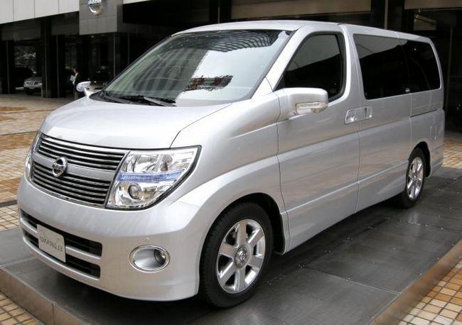 Nissan Elgrand - regele minivanilor