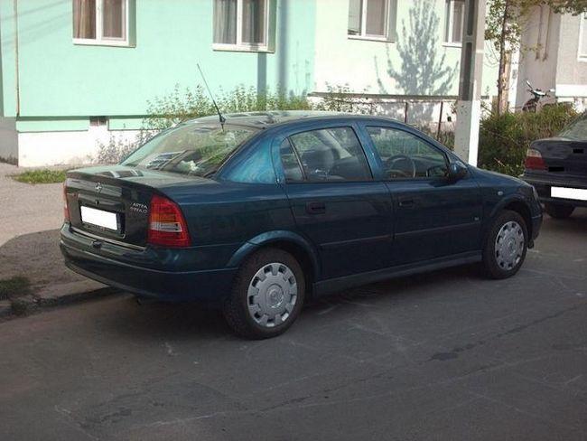 Opel Astra sedan, comentarii și caracteristici
