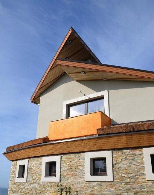 feluri de mobilier dintr-o fațadă a casei