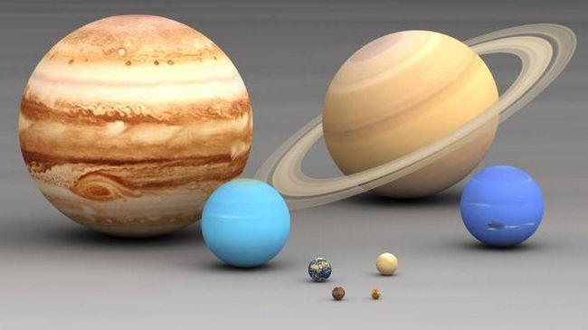 mărimea lui Jupiter și a pământului