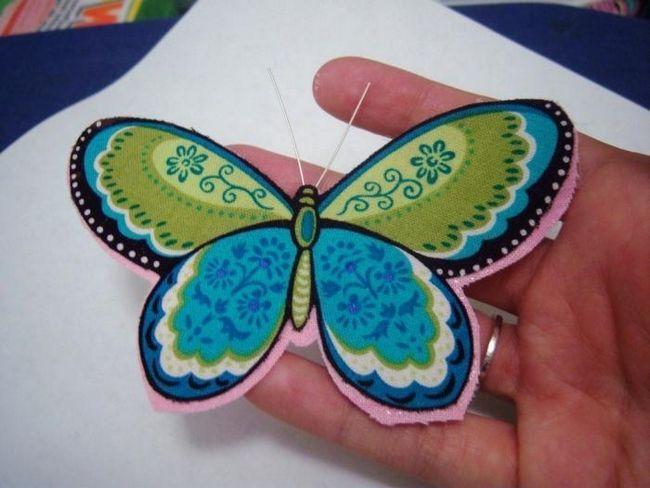 Decoratie originala - un fluture din tesatura cu mainile tale