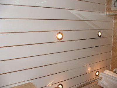 кухня отделка стен пластиковыми панелями