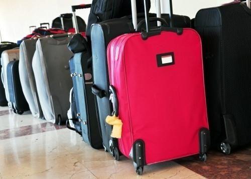 Continuând o călătorie, nu uitați să învățați cum să alegeți o valiză pe roți
