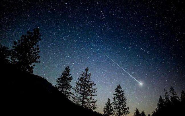 căderea unui asteroid gigantic la pământ