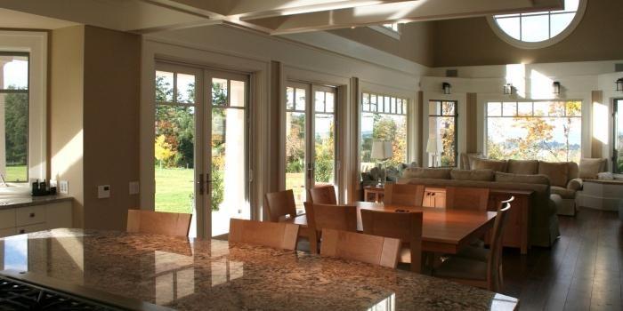 casa cu ferestre panoramice