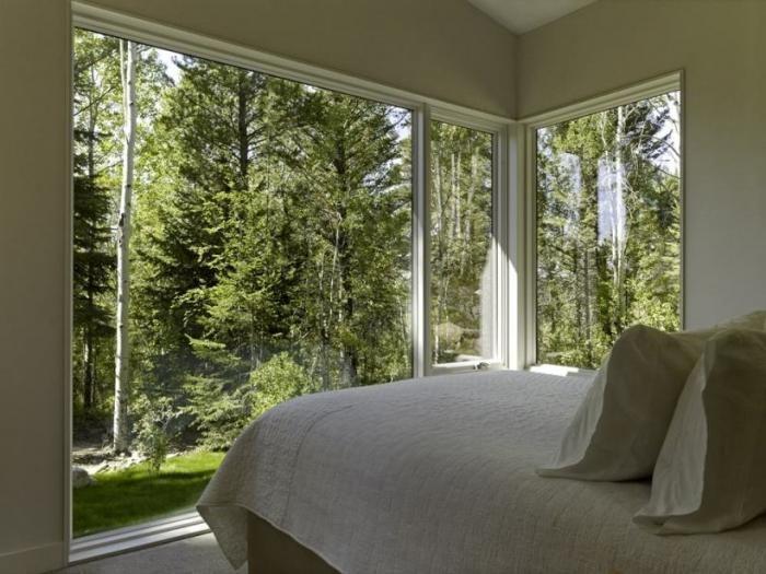 apartament cu ferestre panoramice