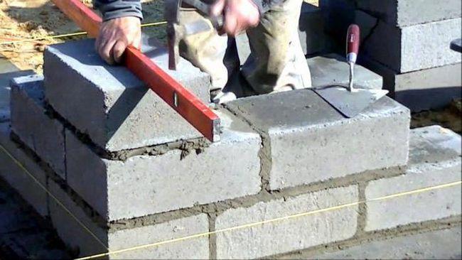 blocuri de spumă sau cărămizi
