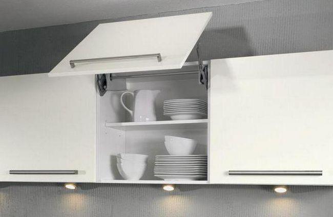 Bucle cu ușă mai aproape pentru fotografie de bucătărie