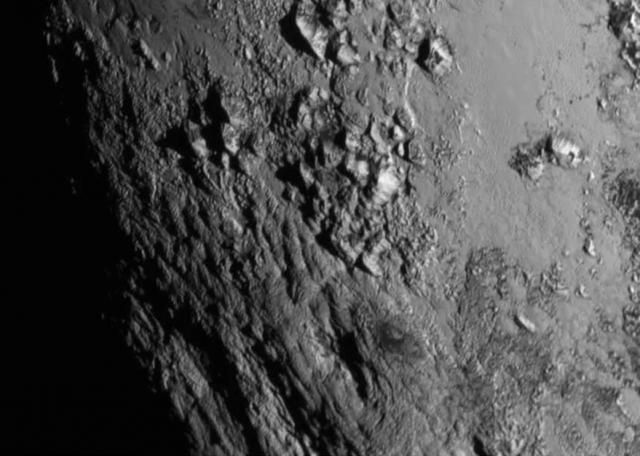 charon este un satelit al planetei