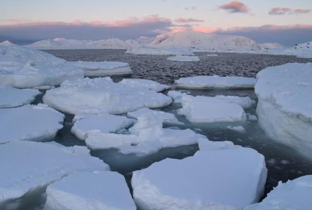 de ce gheața nu se scufunda în clasa 3 a apei