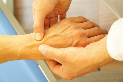 amorțeală și furnicături ale mâinii drepte
