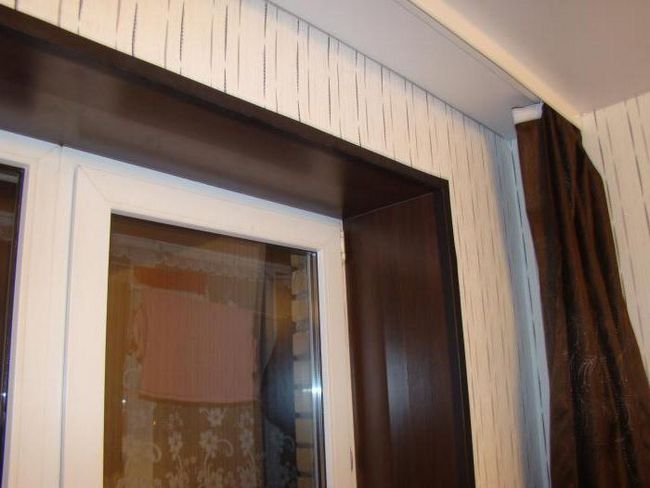 pictura de pante de ferestre cu vopsea acrilica