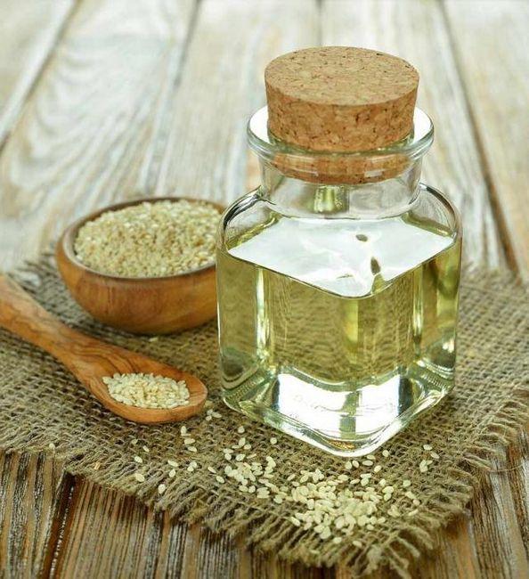 Proprietăți utile de ulei de susan și aplicarea sa