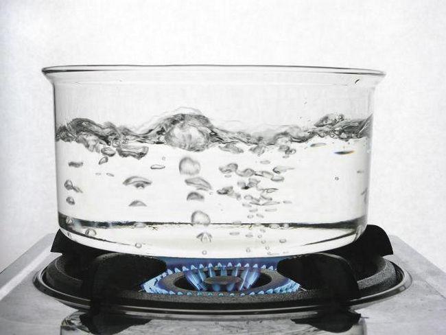 la ce temperatură se fierbe apa