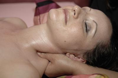 Cauze, simptome și tratamentul herniei coloanei vertebrale cervicale