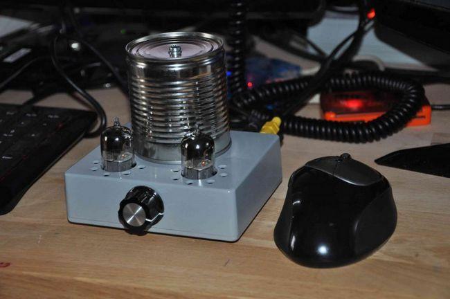 Un amplificator simplu pentru căști cu tub pentru operarea fără mâini