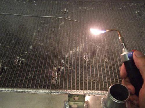 Cum să lipiți radiatorul