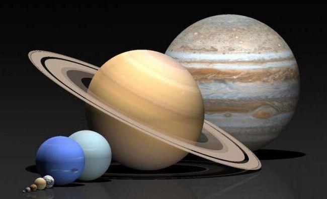 De câte ori este Saturn mai mare decât Pământul?