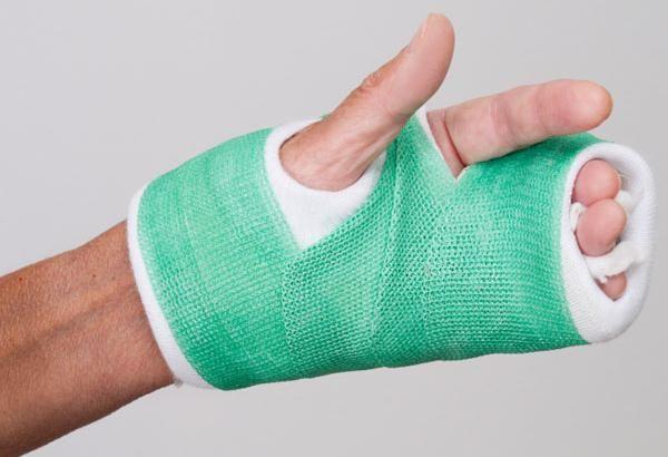 întinzând simptomele mâinii ligamentului