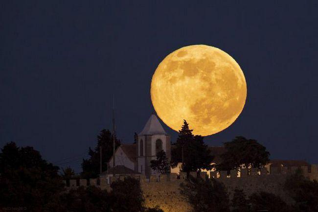 dimensiunea lunii