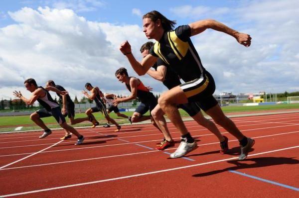 Se ocupă de atletism ca o modalitate de succes