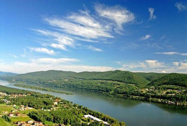 Râul Yenisei este cea mai mare căi navigabile din Siberia