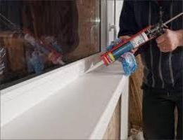 Cum să tăiați geamurile ferestrelor cu plastic