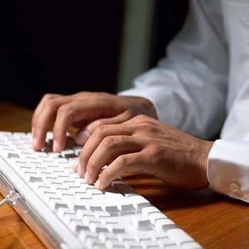 Repararea tastaturii unui computer staționar și a unui laptop