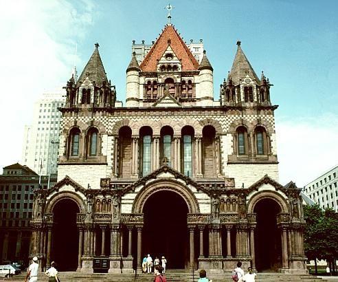 Stilul romanesc în arhitectură imită romanul