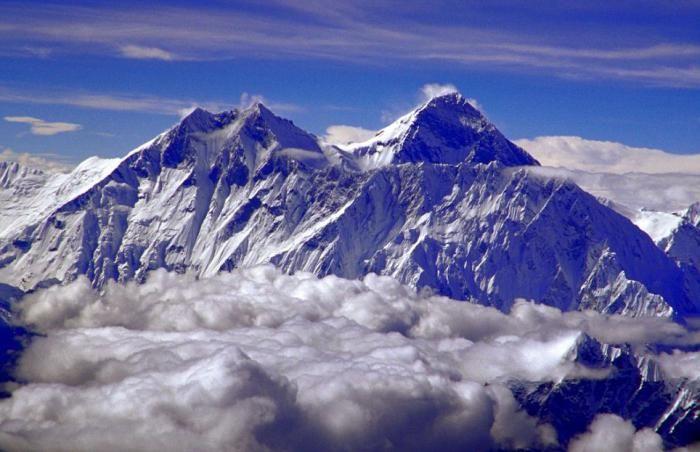 cel mai înalt munte din sistemul solar