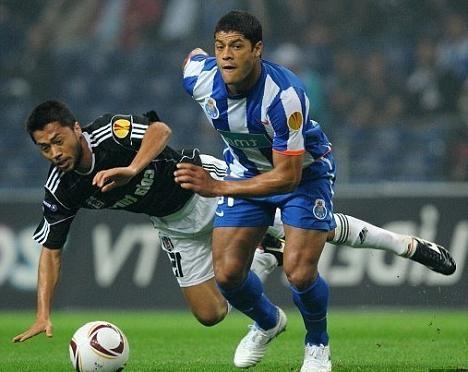 Cea mai puternică lovitură de fotbal: de la Roberto Carlos la Lucas Podolski