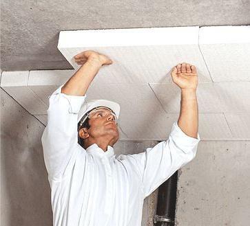 cum se face izolarea fonică a plafonului