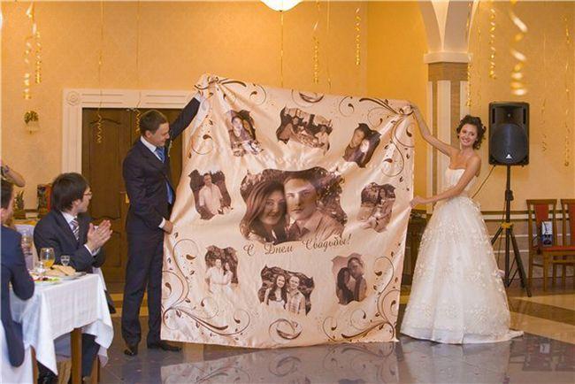 Comic felicitare la nunta cu livrarea de cadouri