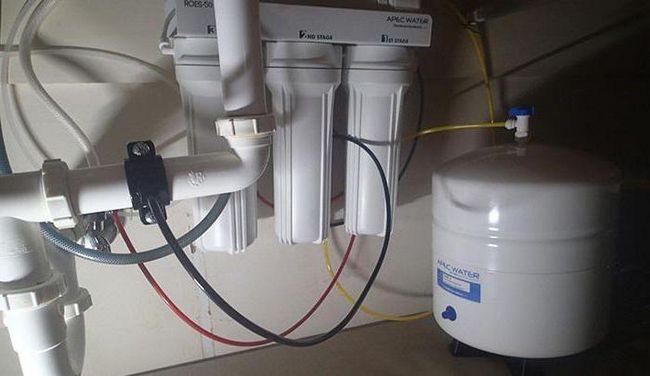 filtre de apă într-un sistem de curățare a casei private