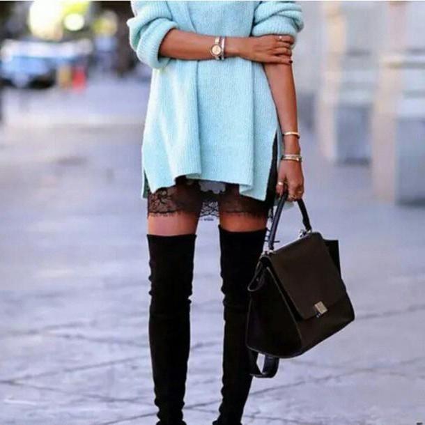 combinație de albastru cu altele în haine