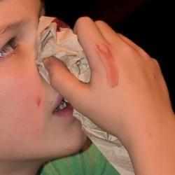 ce face sângele nasului