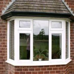 Tehnologia de instalare a ferestrelor din plastic într-o casă din lemn