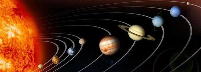 Sateliți ai Soarelui
