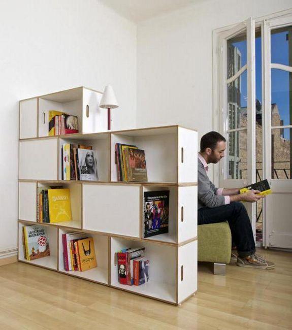 стеллажи для зонирования пространства в комнате