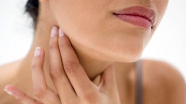 structura gâtului unei persoane și ligamente