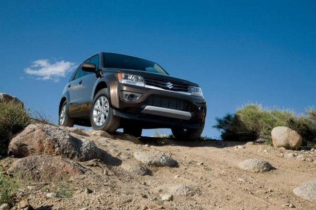 Suzuki Grand Vitara 2013 este încă un SUV și din nou cu un preț modest