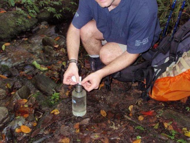 tablete pentru dezinfectarea apei într-o excursie
