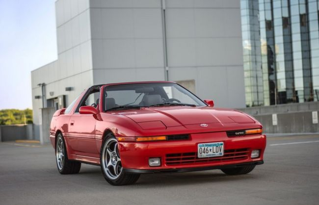 Toyota Supra (1993-2002): recenzie, poze, specificatii